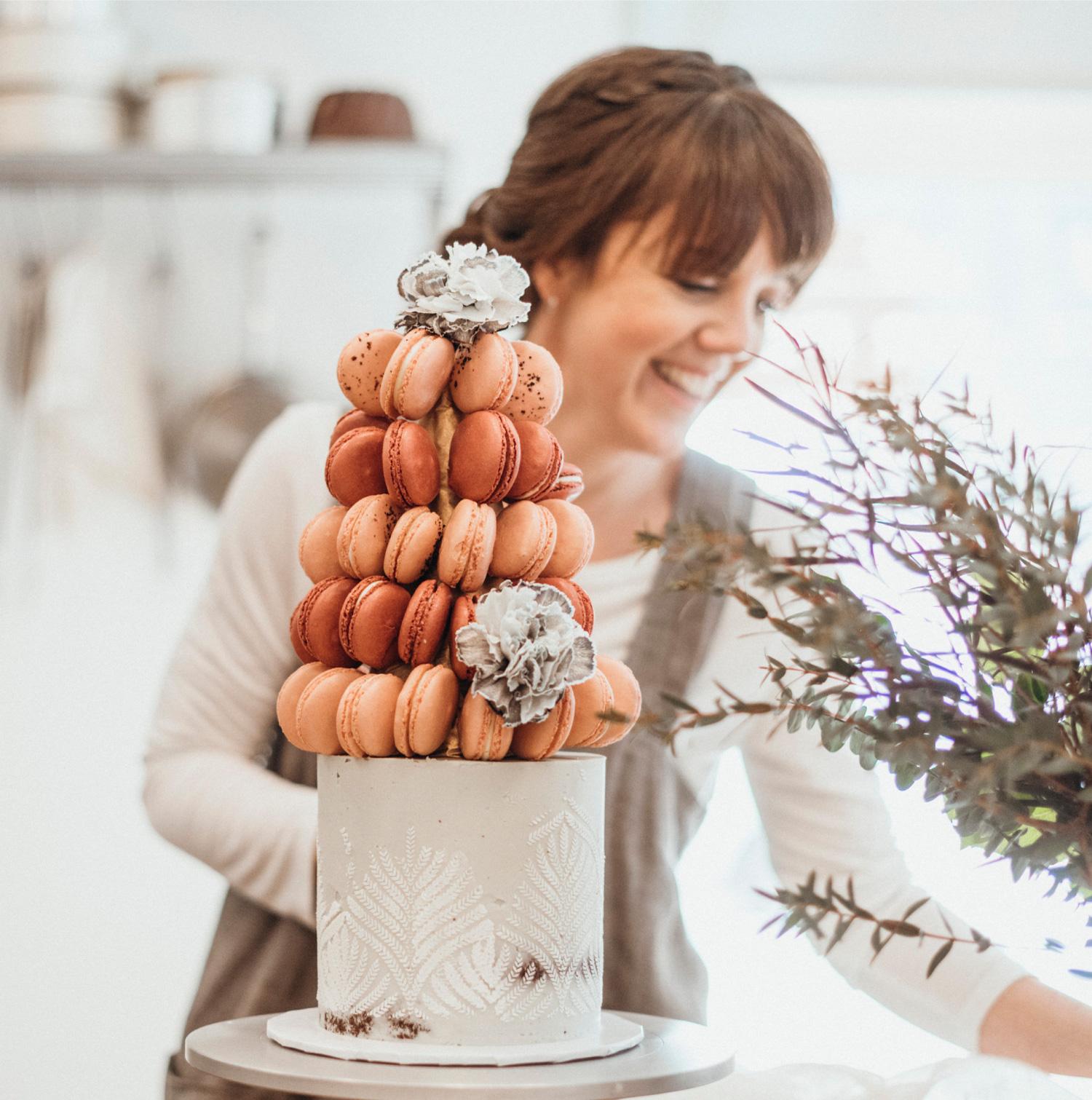Whistler Wedding Cakes The Flour Pot Lisa Vertefeuille
